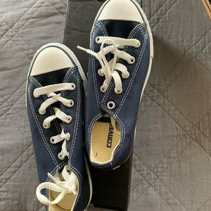 Brand new size 1y chuck taylor lows